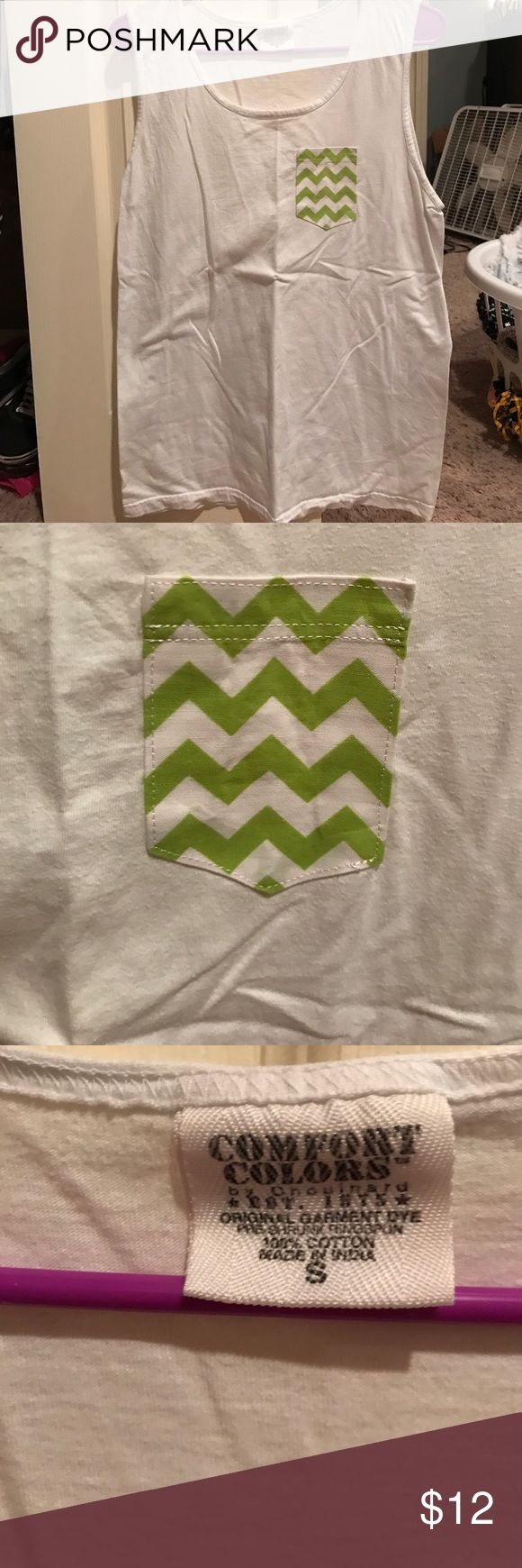 Comfort colors tank top Comfort colors tank top with a green and white chevron pocket! Never worn gotten as a gift! In perfect condition! All clothes come from a smoke free home comfort colors Tops Tank Tops
