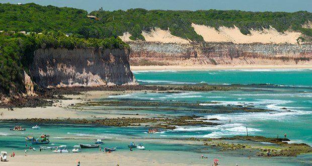 A paradisíaca Praia de Pipa é a praia mais famosa do município de Tibau do Sul.
