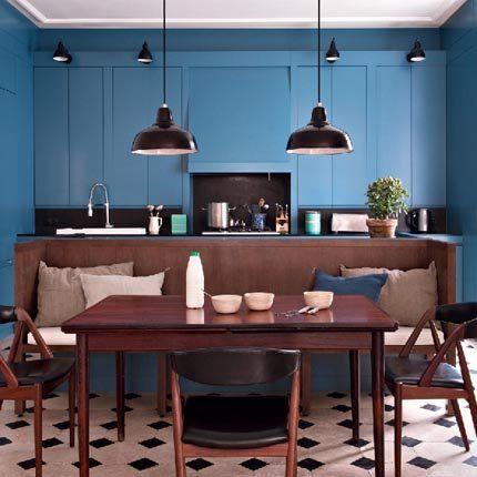 Une cuisine ouverte moderne et fonctionnelle