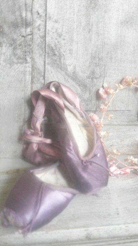purple ballet shoes spitzen   Nieuw - New   De Merel Brocante webwinkel #ghdpastels