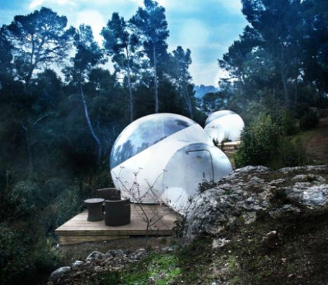 Sleep in a Bubble: French Hotel Made of Transparent Tents | Designs & Ideas on DornobAll of the bubbles are equipped with a queen-sized bed, a cafe table, a telescope and a star chart. A range of package choices add extra luxuries like champagne, jacuzzi sessions and a little French cuisine. Locations include pine forests, fields and hilly wine country.      Read more: http://dornob.com/sleep-in-a-bubble-french-hotel-made-of-transparent-tents/