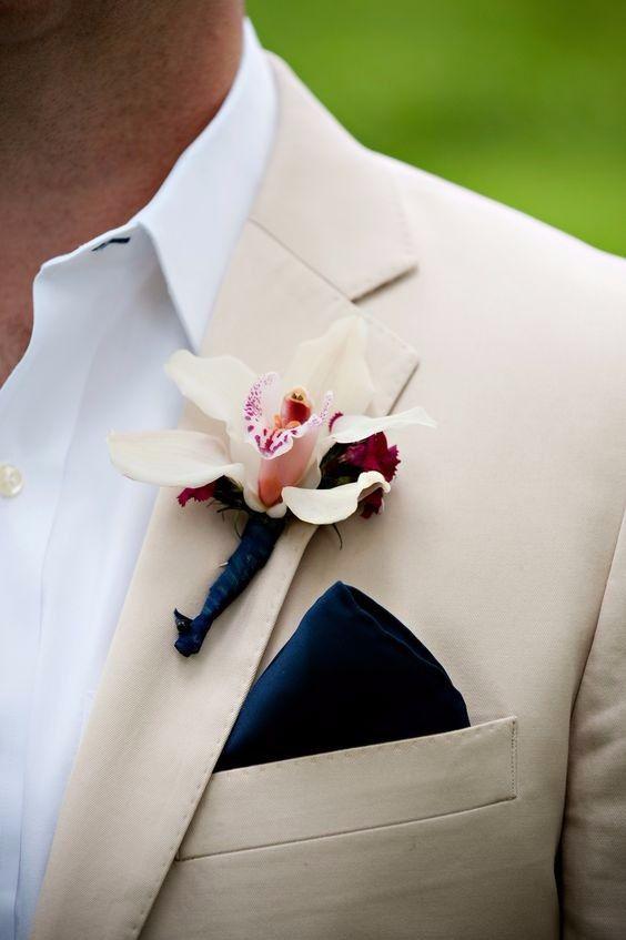 Hola hola Como no tenemos muchos novios aquí jeje, confiaremos en que vean esto o, se los enseñen ustedes jeje Miren estas bonitas combinaciones de trajes de novio en color beige, son perfectas para una boda de día 1.2.3.4.5.6.7.8.9.10. ** ¿Cuál es