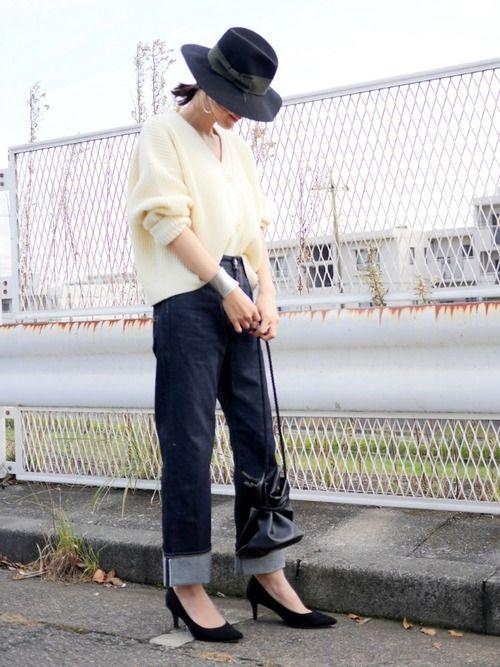 白×デニムに黒小物❤️ カーディガン…STUDIOUS デニム…Ungrid ハット…hats &