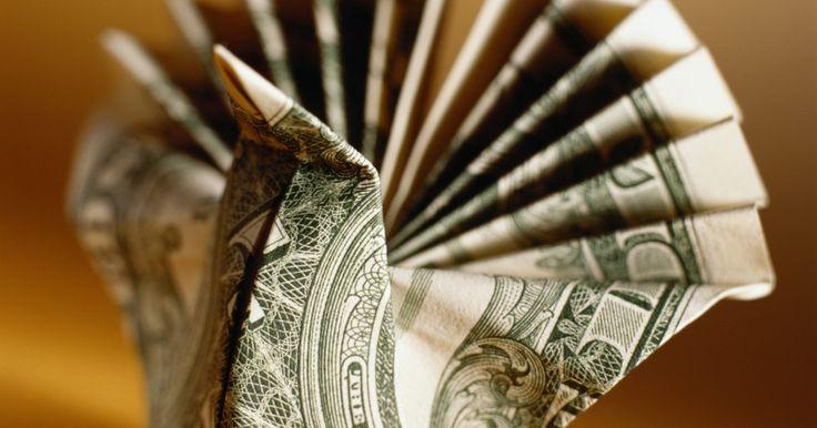 Cómo hacer una lechuza con un billete de un dólar. La papiroflexia es también conocida como origami, el arte de hacer de diferentes formas y objetos de papel. Es una actividad entretenida para los niños, especialmente cuando se pueden hacer diferentes figuras como una lechuza. Las formas origami son creadas con muchos tipos de papel, incluido el billete de un dólar. Dobla un billete de dólar en ...