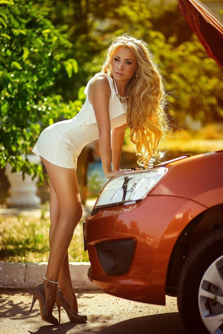 Very Long Legged Blonde In Cute Mini Dress  Cars Planes -6856