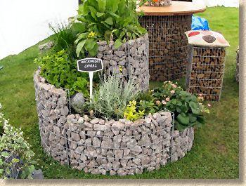 """""""Archimedes Spiral"""", a Gabion-inspired Garden Structure"""