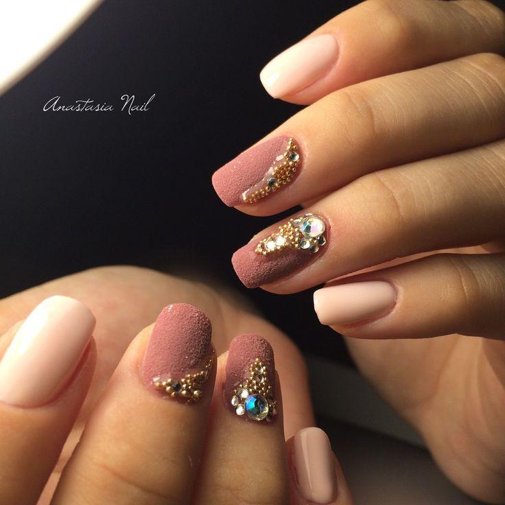 Наше портфолио. Portfolio by KrasotkaPro. #КрасоткаПро #Маникюр #Manicure #Nails #Nailpolish #Ногти #Лак #Нежно #Стразы #Розовый #Дизайн #Nailart #Дизайнногтей