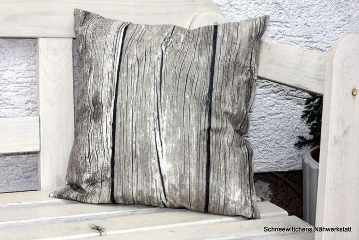 kissen aus wachstuch f r drau en fertig gef llt von. Black Bedroom Furniture Sets. Home Design Ideas
