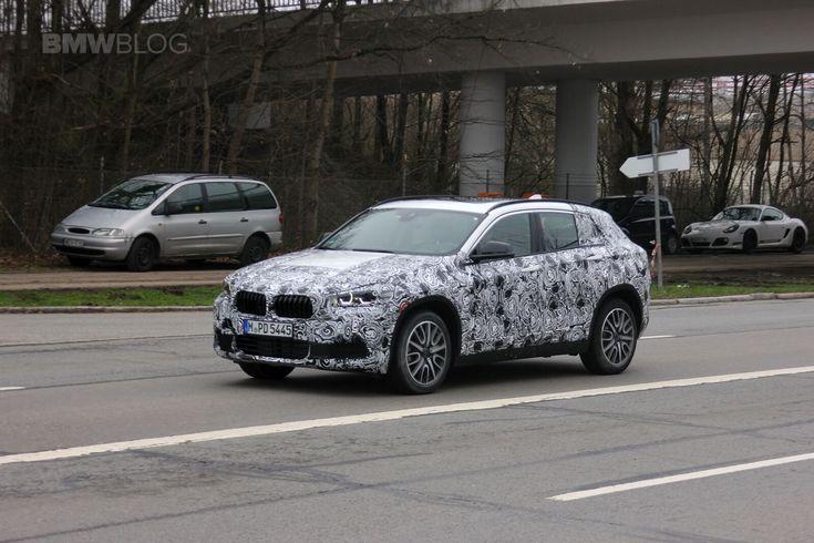 Прототип BMW X2 2018 замечен во время испытаний на городских дорогах Мюнхена. Свежие фотографии БМВ Х2 в камуфляжной пленке.