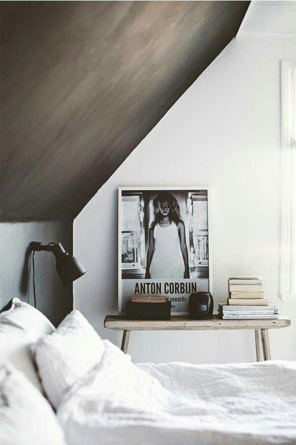 schuin plafond in de kalkverf! zo'n simpele oplossing om een lekker sfeertje te creëren!