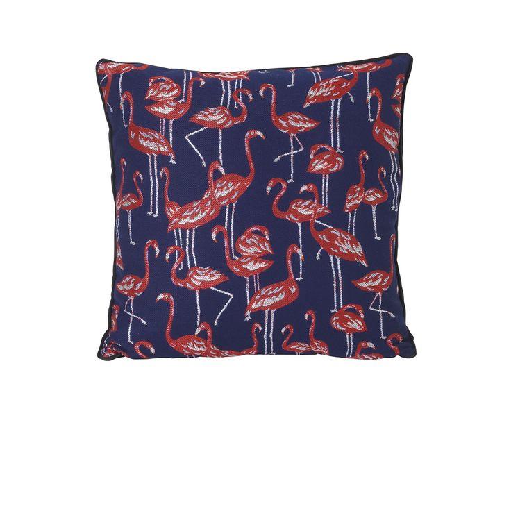 Coussin Flamingo - Ferm Living - De format carré, ce coussin Ferm Living se dote d'un textile imprimé à l'effigie de flamants roses, sublimés par un fond bleu marine qui apporte une certaine sobriété. Tendance et coloré, ce coussin est idéal pour égayer votre lit ou décorer un canapé… Issus d'une collection éclectique, collectionnez les coussins Ferm Living pour plus de confort !