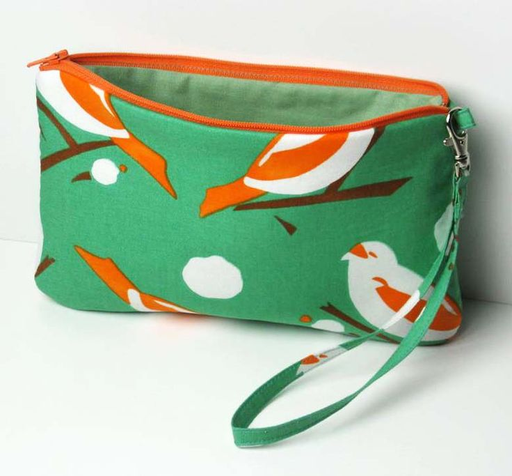 Imagine Fabric Blog: How To Sew A Wristlet Imagine Fabric -LOVE the strap on here!