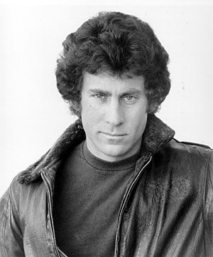 Recently came across a re-run, one sleepless night, of Starsky & Hutch and now I am re-living my youth!