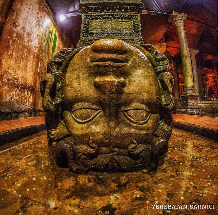 倒置的梅杜莎頭像是拜占庭時代建造的地下蓄水池,有「地下宮殿」之稱,的鎮池之寶。©senertekci