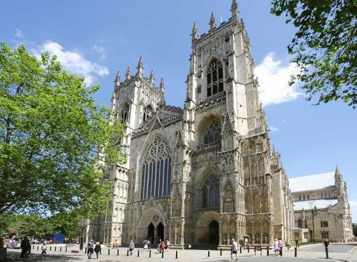 York, Inglaterra: As cidades ao redor de Londres são todas incríveis e exalam…