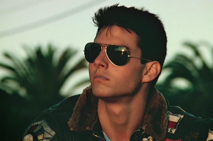 "Ray-ban - AVIATOR LARGE METAL RB 3025: Who of you boys didn't wish to be in Pete ""Maverick"" Mitchell's shoes in Top Gun and dominate the skies? And is there any girl out there that did not fall in love with him? ""take my breath away…"""