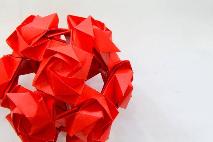 Origami ball / Kusudama Dafina (Andrei Dumitriu)