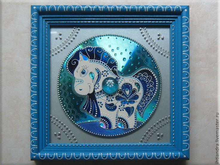 Купить Добрый пони Панно с витражной росписью на диске - Витражная роспись, витражное панно