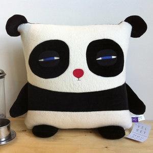 Precioso cojín de oso panda
