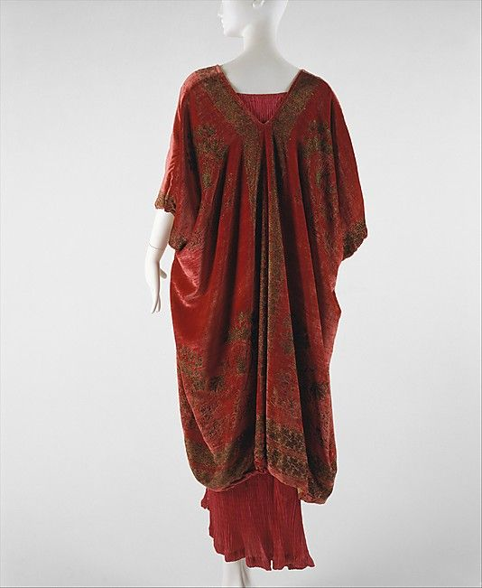 Evening coat, 1920s, by Mariano Fortuny. From the collections of the Metropolitan Museum of Art.: 1920 S, Coats 1920S, Coats Fortuni, Vintage Fashion, 1920S Fortuni, 1920S Mariano, 1920S Culture, Metropolitan Museums, Mariano Fortuni