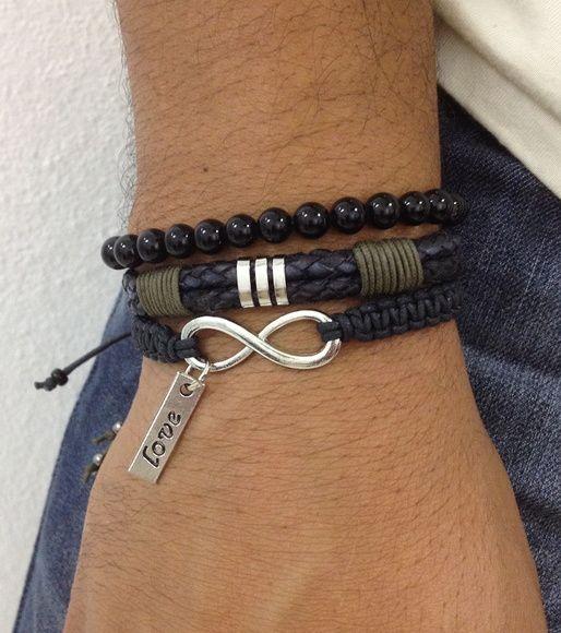 Kit de pulseiras masculinas composto de 3 sendo: - 1 pulseira de couro - 1 pulseira com smbolo do infinto com pingente love - 1 pulseira de pedra nix   Pulseiras ajustveis, nosso padro ajusta bem em pulso de 18-21 cm. Caso voc tenha um maior ou menor, informe no pedido o tamanho do seu pulso que faremos personalizada para melhor ajuste. Para medir seu punho, use uma linha e uma rgua. R$ 49,90