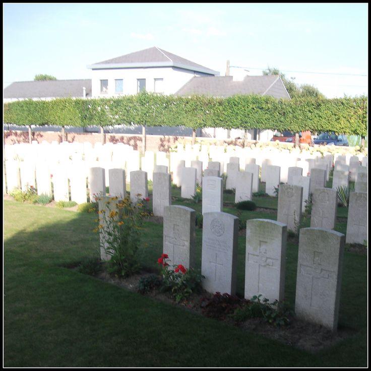 Birr Cross Roads Cemetery, Zillebeke (Belgium)