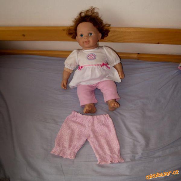kalhoty na panenku z trička  -recyklace