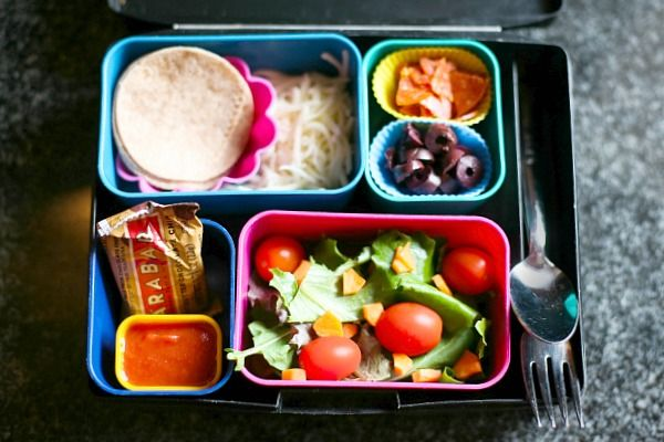 13 ways to use tortillas in a lunch box. Great list, good pics. Will need this in a few weeks!