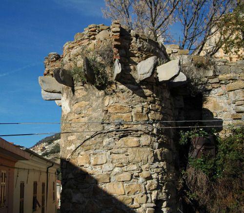 Castellaro (IM) - ruderi del Castello