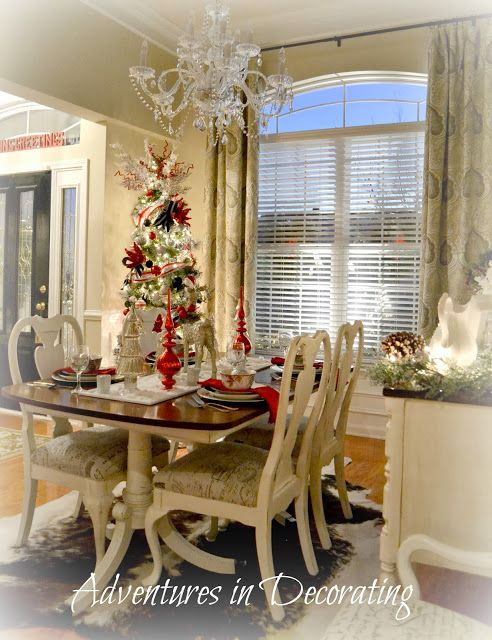 Best 25 Christmas Dining Rooms Ideas On Pinterest  Christmas Captivating Christmas Dining Room Inspiration Design