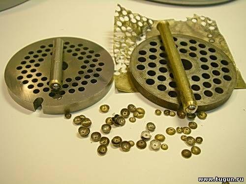 к статье -изготовлению хариусных обманок для начинающих-приспособы для изготовления чашечек -мормышек