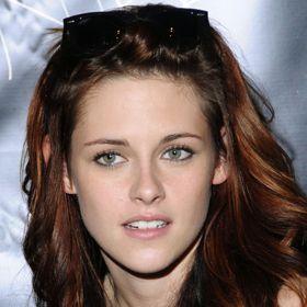 FUNNY: 'Twilight' Fans React To Kristen Stewart Infidelity In Viral Videos    ui…