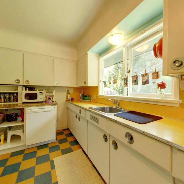 17 best ideas about classic kitchen cabinets on pinterest for Classic kitchen cabinets toronto