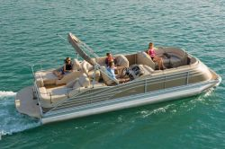 New 2013 - Bennington Boats - 2575 QCW I/O Sport Tower