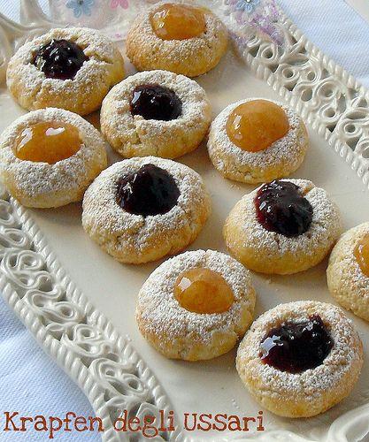 """Questi deliziosissimi biscotti li ho scoperti in un libro """"Dolci austriaci e tedeschi"""" e mi sono innamorata di loro subito!!!In realtà i krafpen di origine tedesca come tutti li conosciamo, sono..."""