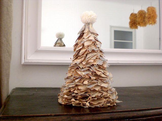 #nataleincasatrippando Diario di una #Creamamma: Rotolo #carta + #libro + #glitter = alberello di #Natale!