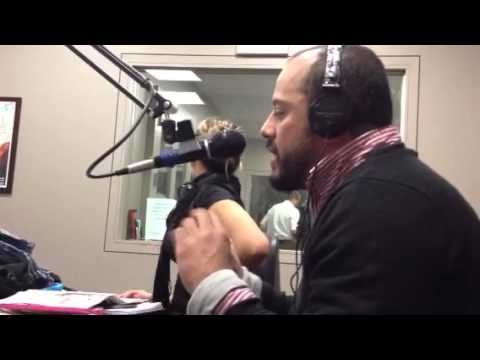 Sos Paisa en la WUNR 1600 AM Radio International de Boston.