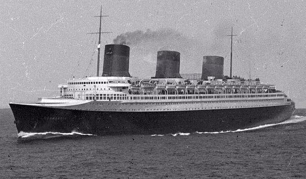 SS Normandie at sea 01.jpg