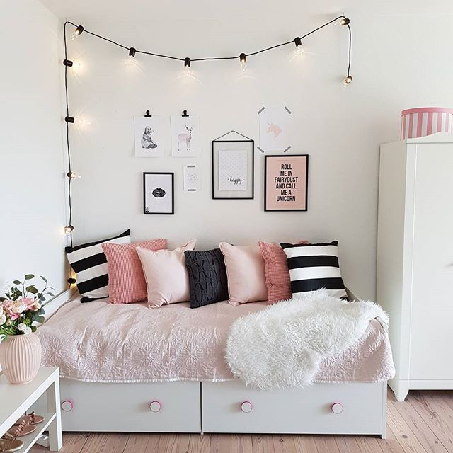 Good evening dear friendswe have luckily had great weather today☀️the big kids are still at their grandparents house so it's kind of getting very quiet around hereBut looking forward to seeing them tomorrowhope you have a wonderful evening . . . . #bedroom #bedroominspo #romantic #night #lights #decor #homedecor #home #homeinspo #inspo #inspiration #interiorforyou #interior4all #interiorforinspo #interiordecor #interior123 #nordic #nordicinspiration #interior #scandinavian #boligma...
