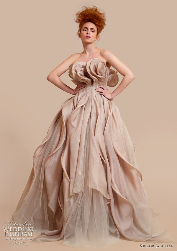 Krikor jabotian 2010 ball gown 600 850 pixels for Haute design