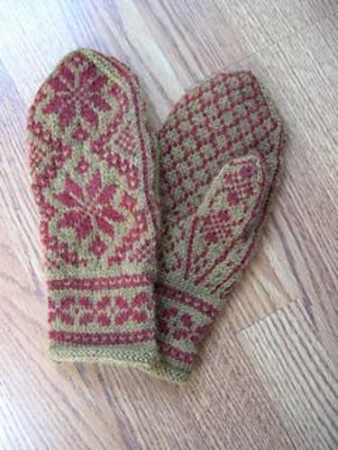 Free pattern - Rigmor's Selbu mittens pattern by Rigmor Duun Grande Great pattern, made it in black and white. Love this colors combo.