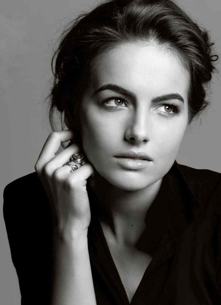 Camila Belle ..eyes direction-hand-fingers