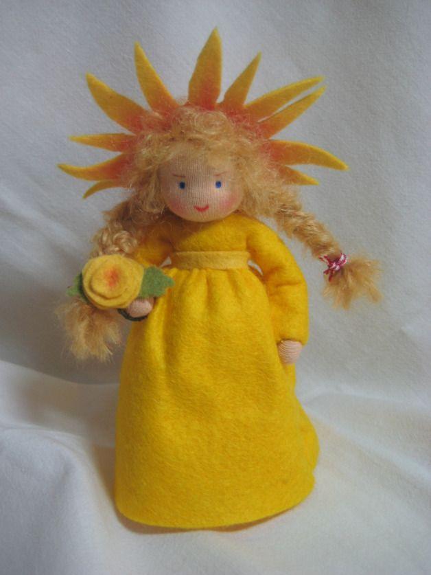 Jahreszeitentisch - Sonne Sonnenstrahl Waldorf Jahreszeitentisch - ein Designerstück von Blumenkinder-Unikate bei DaWanda
