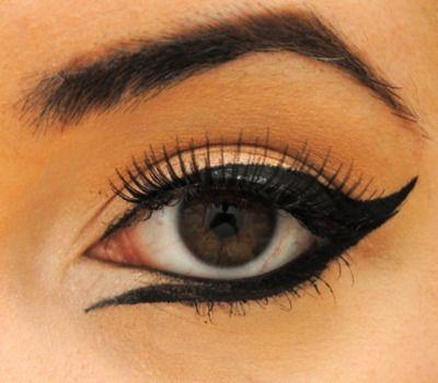 : Makeup Inspiration, Dramatic Eyeliner, Eye Makeup, Wings Eyeliner, Makeup Ideas, Hair Makeup, Makeup Eye, Eyemakeup, Eyeliner Style