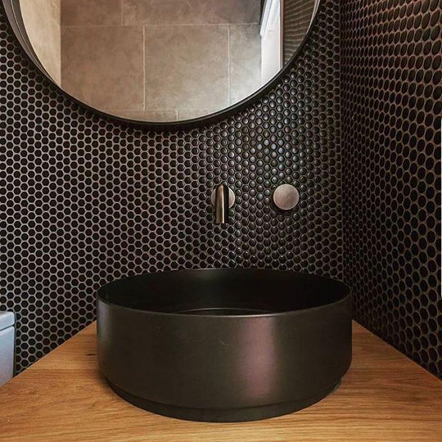 Broadwater Black Matt Penny Round Mosaic Tile Bathroom Feature Wall Tile Penny Round Tile Bathroom Mosaic Bathroom Tile