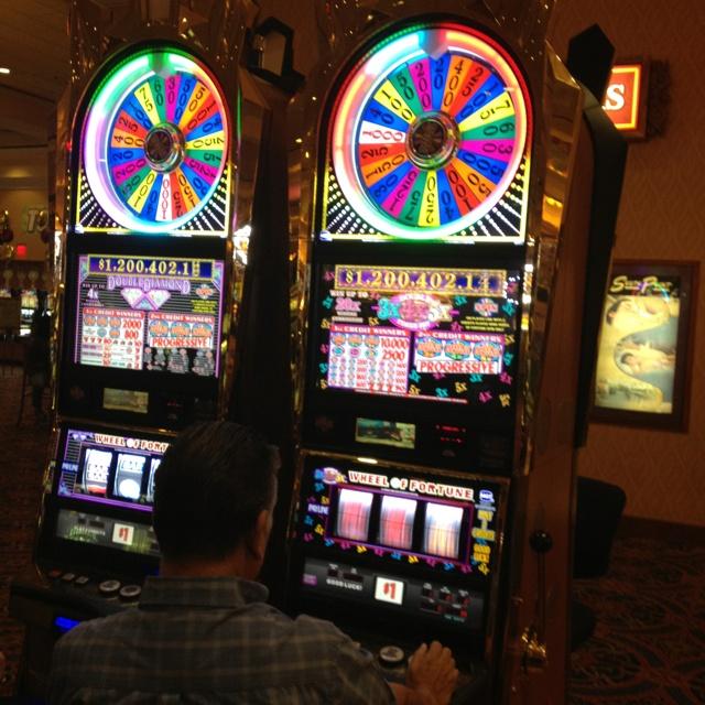 Slots Wheel Of Fortune