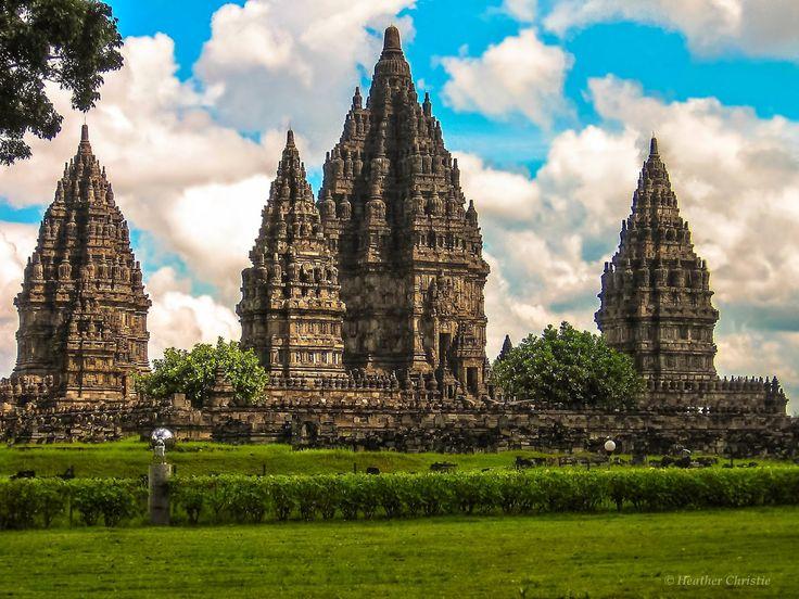 http://oasisofindonesian.blogspot.com/2015/01/prambanan-largest-hindu-temple-ini.html