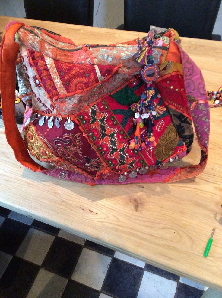 Zelfgemaakte tas #banjara #colours #handmade #indian #coins #boho