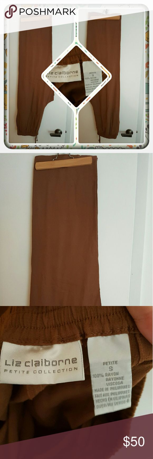 ❤ Woman's Brown Pants Size Small ❤ Woman's Brown Pants By Liz Claiborne Petite Collection Size Is Small Petite. These Are In Great Condition. I'm Selling For A Friend 🚫 PAYPAL 🚫 TRADES 🚫 LOWBALLING THANK YOU ❤ Liz Claiborne Pants Straight Leg