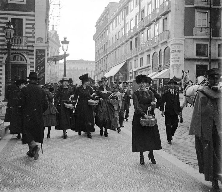 Rua Garrett, junto à igreja dos Mártires, 15 de Março de 1917